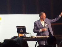 Gelegenheids-DJ Theo Francken